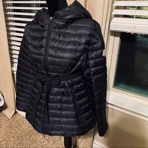 💯 Authentic Moncler Down Jacket